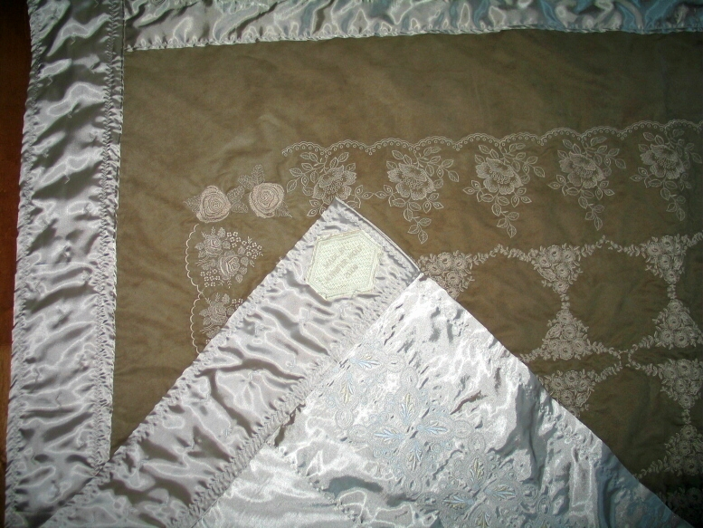 whole-cloth-embroirdered-quilt