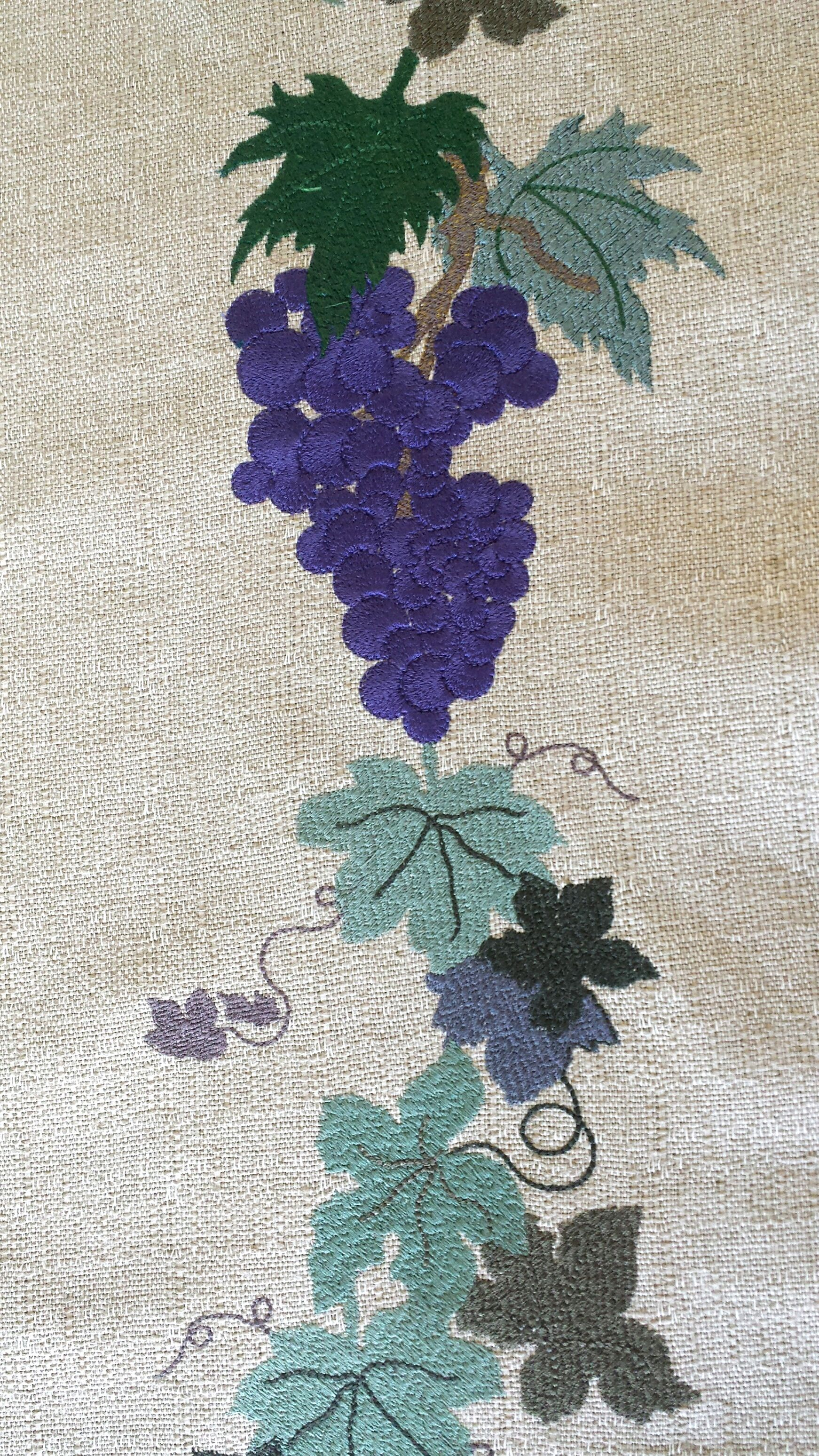 leaf-filled-embroidery