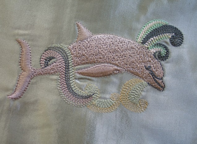 dolphin-filled-embroidery