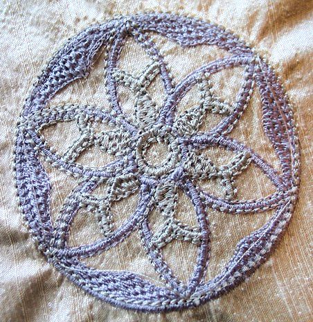 geo-lace-circle-ornament-embroidery
